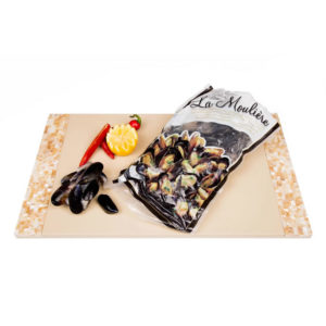 The Upper Scale Frozen Cooked Whole Shell Chilean Mussels 1x1kg bag